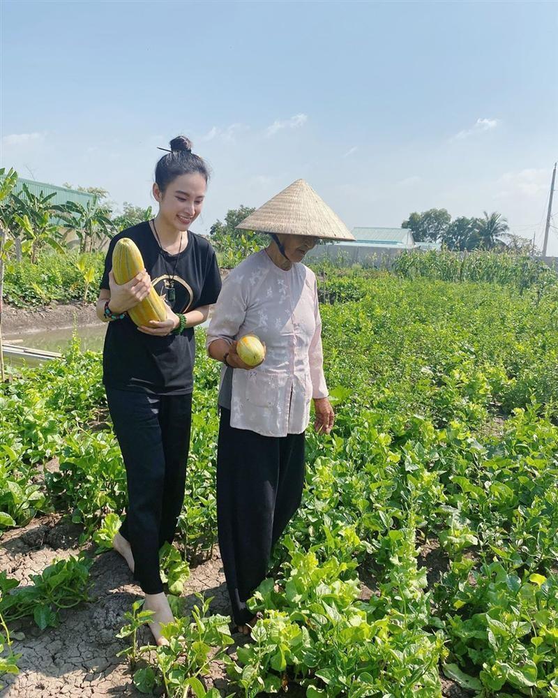 Angela Phuong Trinh khoe cuoc song binh di khi tro ve que noi-Hinh-3