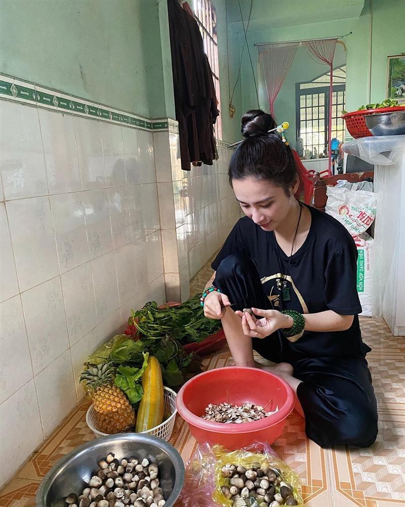 Angela Phuong Trinh khoe cuoc song binh di khi tro ve que noi-Hinh-6