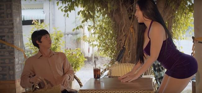 Can Lo Lo ban Viet trong MV ca nhac hai Tet la ai?