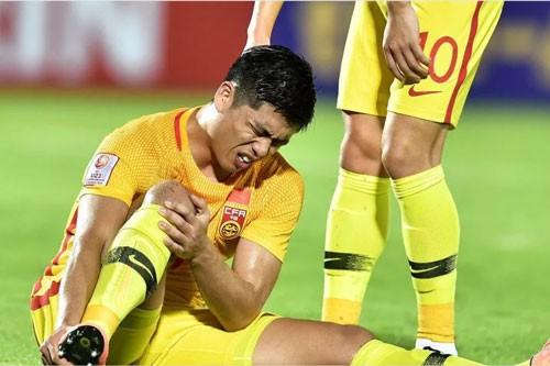 Cau thu dau tien noi loi chia tay VCK U23 Chau A 2020 chi sau mot tran dau