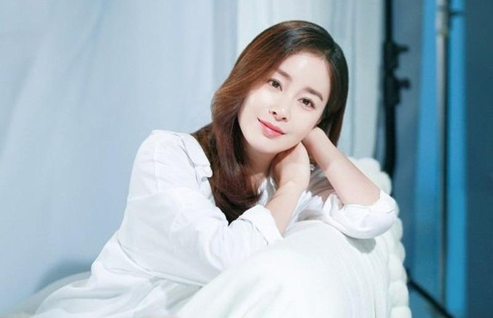 Bi kip gi giup Kim Tae Hee U40 van giu nhan sac tre trung-Hinh-2