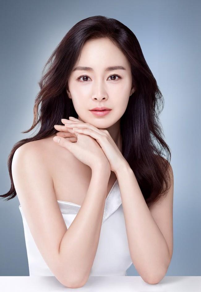 Bi kip gi giup Kim Tae Hee U40 van giu nhan sac tre trung-Hinh-4