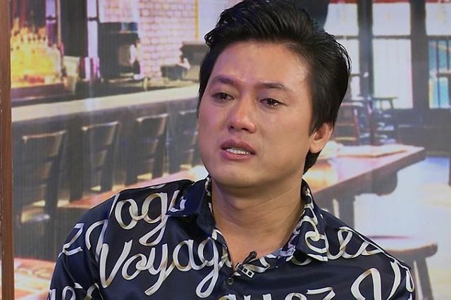 Chuyen tinh chu chau cua Quach Ngoc Tuyen voi vo kem 10 tuoi-Hinh-2
