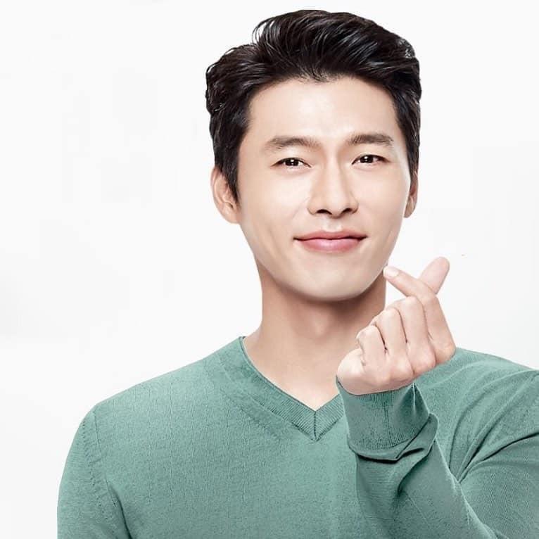"""Bi quyet gi giup """"nam than"""" Hyun Bin luon co lan da tuoi tre o tuoi 38-Hinh-2"""
