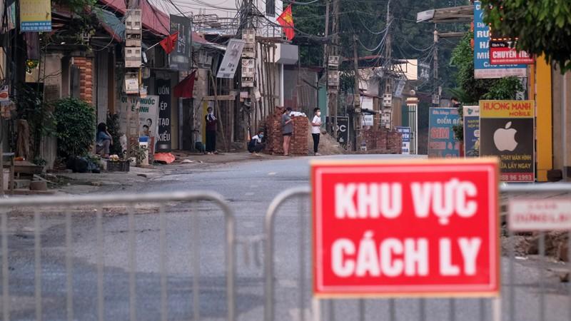 """Ghi nhan ca thu 5 duong tinh SARS-CoV-2 tai """"o dich"""" Ha Loi, Me Linh"""