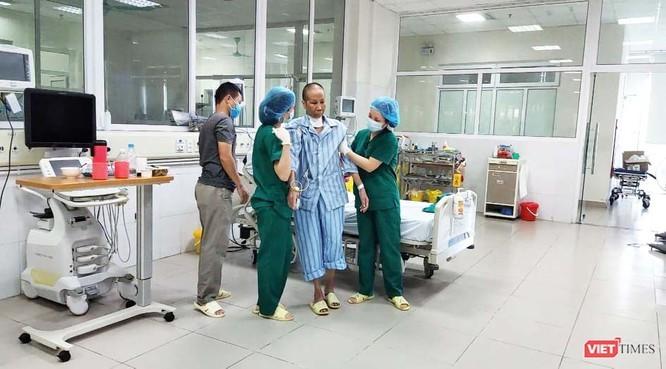 """Benh nhan 19 hoi phuc ky dieu, phi cong nguoi Anh van """"kho luong""""-Hinh-2"""