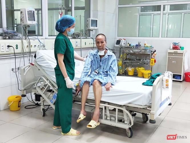 """Benh nhan 19 hoi phuc ky dieu, phi cong nguoi Anh van """"kho luong"""""""