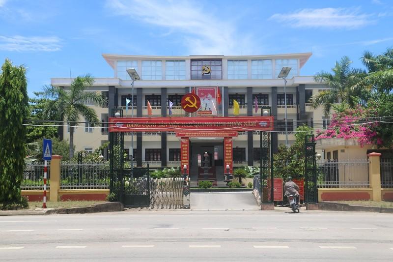 Bi khai tru Dang vi sinh con ngoai gia thu, Bi thu Yen Dinh len tieng