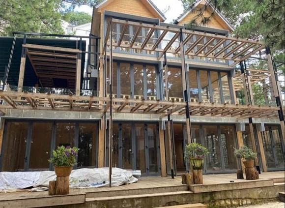 Phan Nhu Thao xay biet thu go 800 m2 mang ten con gai ruou