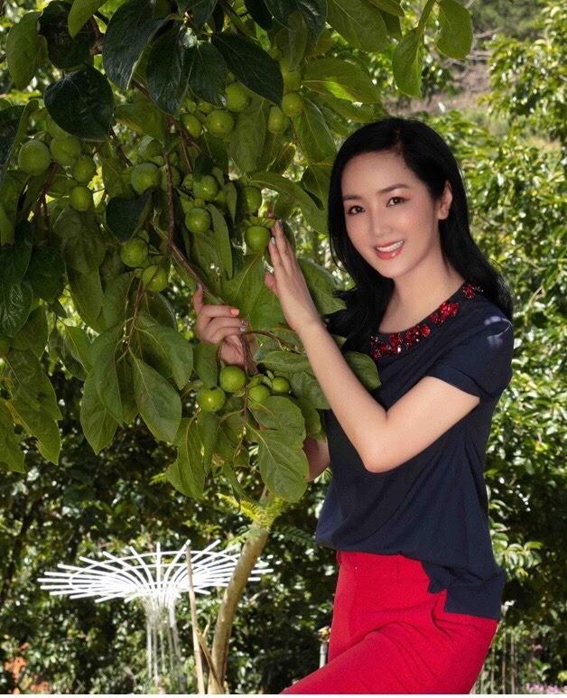 Bi quyet giu nhan sac khong tuoi cua Hoa hau Giang My o tuoi U50-Hinh-2