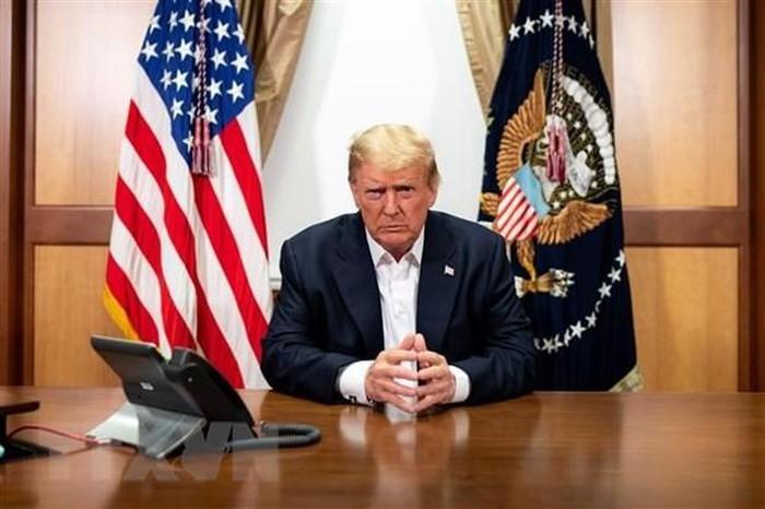 Tong thong Donald Trump xuat vien sau ba ngay dieu tri benh COVID-19
