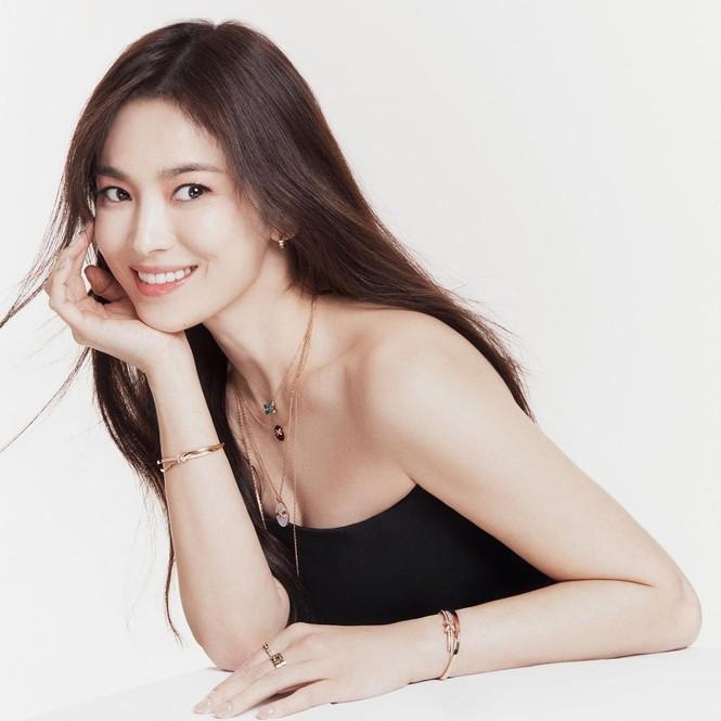 Hau ly hon, Song Hye Kyo cuc tre dep voi bo anh thoi trang sanh dieu-Hinh-2