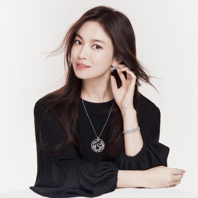 Hau ly hon, Song Hye Kyo cuc tre dep voi bo anh thoi trang sanh dieu-Hinh-5