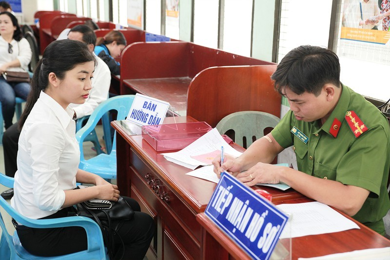TP.HCM cap can cuoc cong dan gan chip cho hon 10 trieu dan-Hinh-2