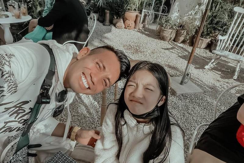Hinh anh Minh Nhua chup cung 3 co con gai cua nguoi vo dau-Hinh-7