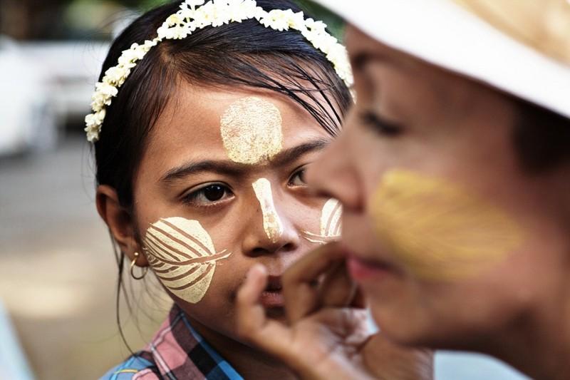"Kham pha bi quyet lam dep truyen thong ""cuc la"" cua phu nu Myanmar-Hinh-9"