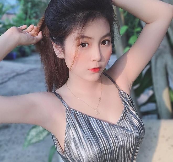 """""""Co giao nong bong nhat Viet Nam"""" an mac goi cam """"nhuc mat"""""""