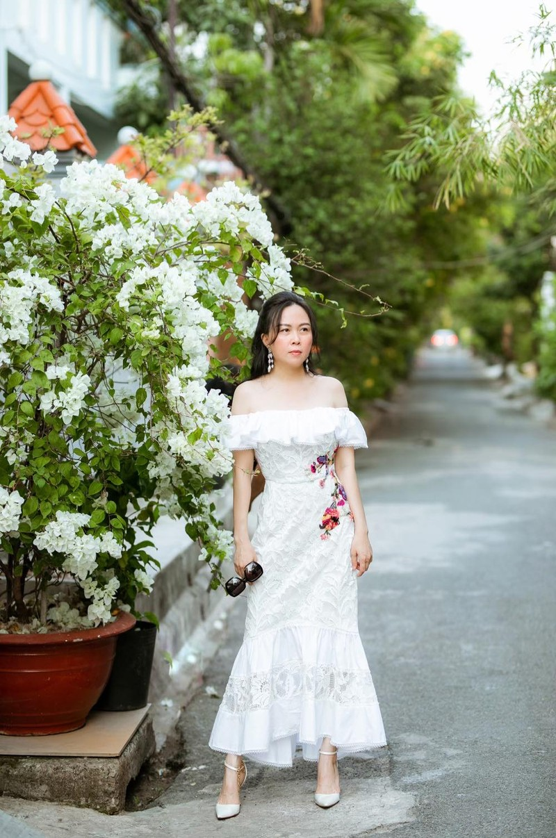 Giua on ao chia tay tinh tre, Phuong Chanel van mac goi cam khoe body-Hinh-3
