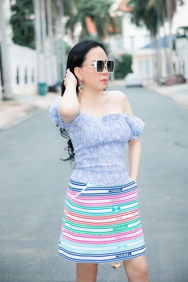 Giua on ao chia tay tinh tre, Phuong Chanel van mac goi cam khoe body-Hinh-7