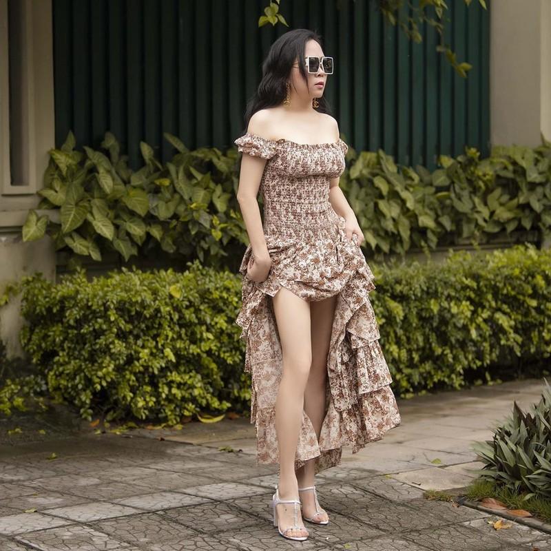 Giua on ao chia tay tinh tre, Phuong Chanel van mac goi cam khoe body-Hinh-8