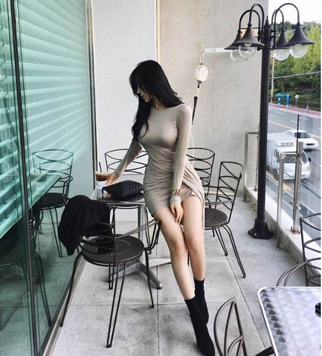 """Dai hot girl Han Quoc"" chuong trang phuc khoe vong 1 nong bong-Hinh-5"