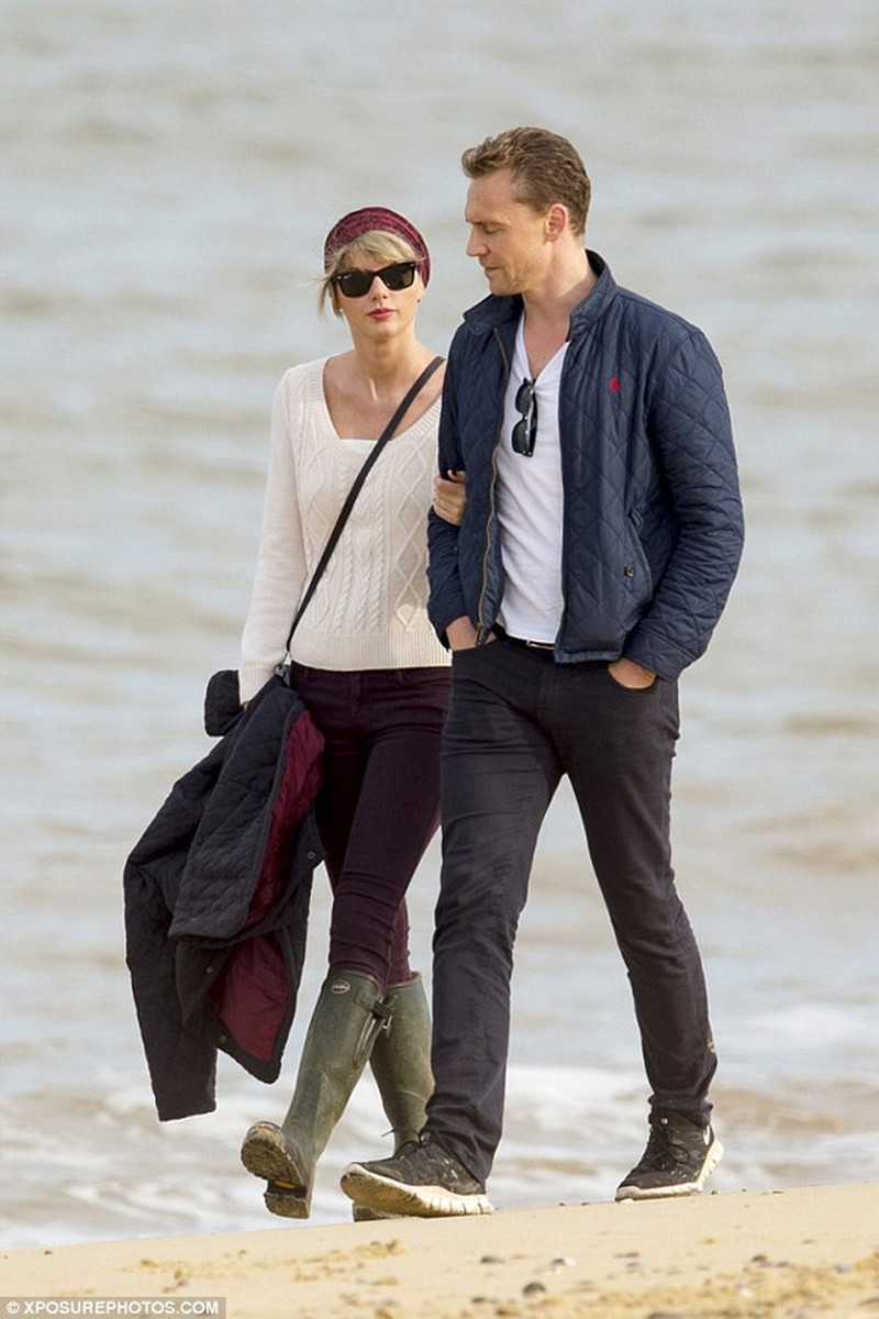 Taylor Swift va Tom Hiddleston bat dau ran nut-Hinh-2