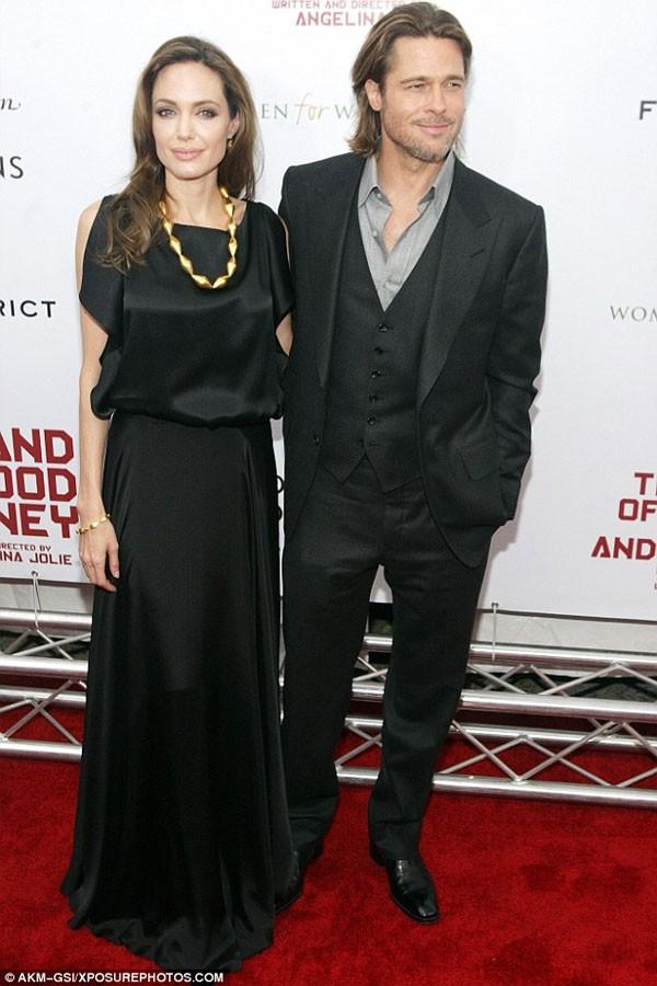 Brad Pitt khong chiu ky don ly hon Angelina Jolie