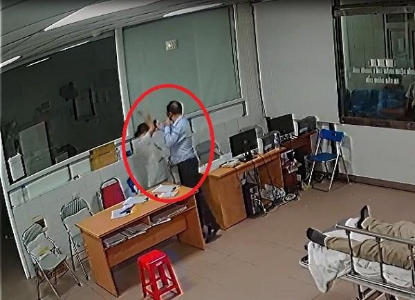 Giam doc hanh hung bac si benh vien 115 bi phat 3,6 trieu dong