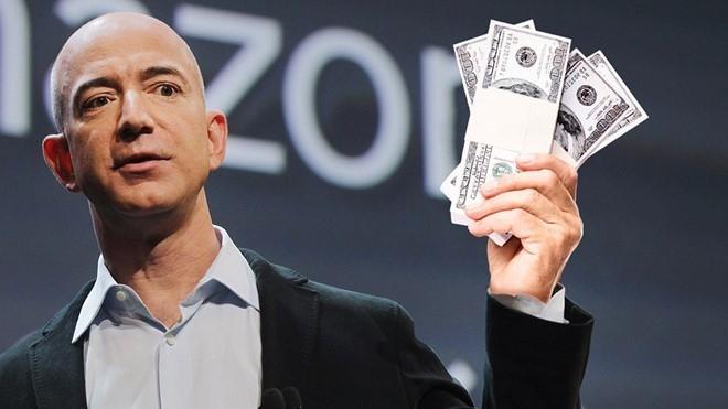Ty phu Jeff Bezos vua hao phong chi 2 ti USD cho nguoi vo gia cu