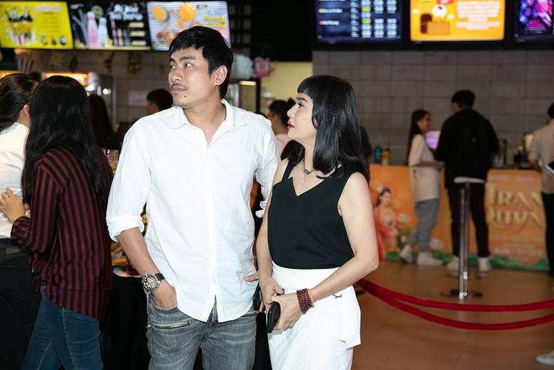 Cat Phuong - Kieu Minh Tuan hanh dong la khi dong phim chung-Hinh-3