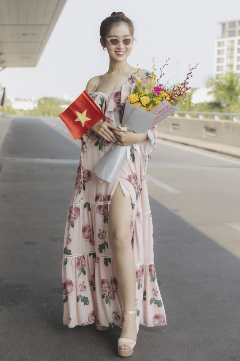 Nhat Ha noi tiep Huong Giang thi Hoa hau chuyen gioi quoc te-Hinh-2