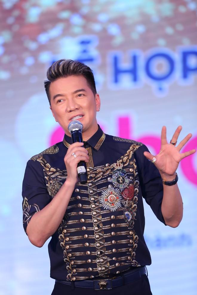 Dam Vinh Hung phat ngon ngong cuong vi sao van lam giam khao hoa hau?