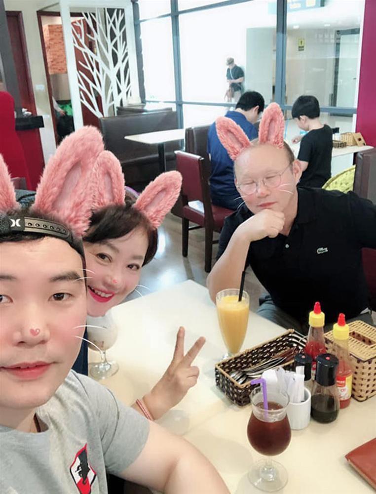 Con trai HLV Park Hang Seo chia se soc khi VN thang Thai Lan-Hinh-3