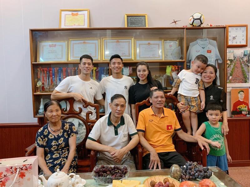 Bui Tien Dung chuan bi lam le an hoi, nhung nguoi nay lai vang mat-Hinh-2