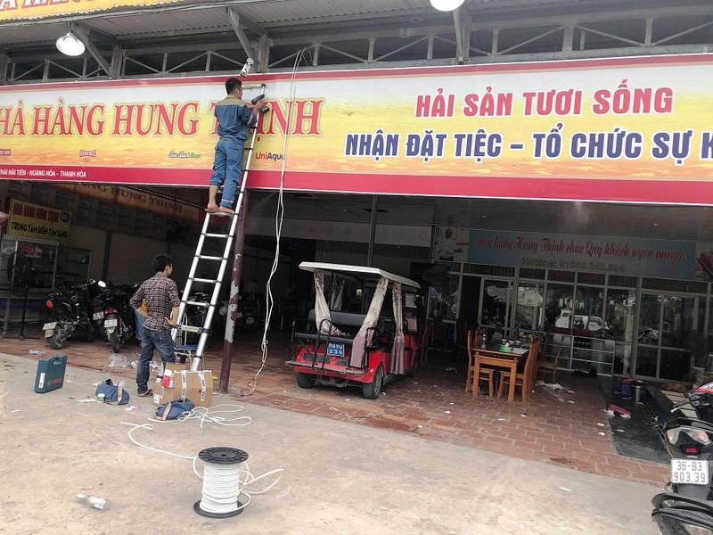 Hai Tien: Kinh hoang con do ua vao dap pha nha hang, dam chem nguoi-Hinh-2