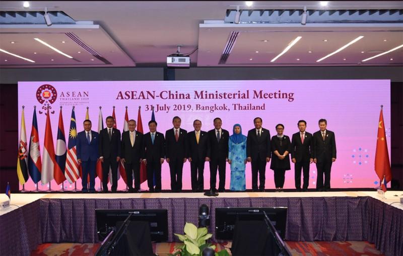 Bo truong Ngoai giao Trung Quoc noi gi ve Bien Dong voi cac nuoc ASEAN?-Hinh-2
