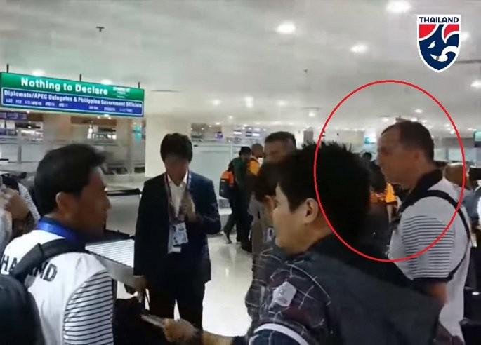 Thai Lan khong he sa thai HLV bi to khiem nha voi thay Park Hang-seo?