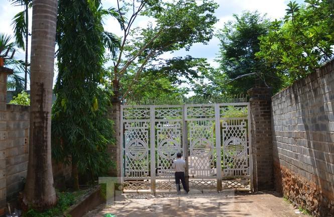 Nha lau 3 tang co ho boi xay tren dat nong nghiep cua nu thuong uy-Hinh-7