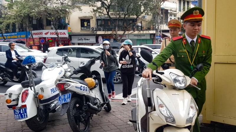 Ngay dau thuc hien Thong tu 67 ve viec cong dan ghi am, ghi hinh giam sat CSGT-Hinh-4