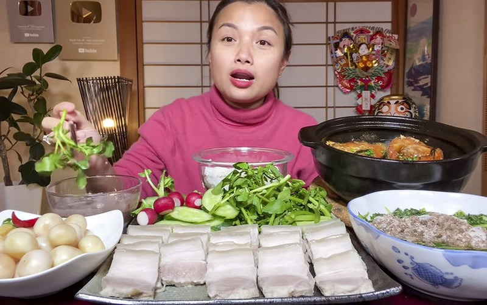 Vuong luat moi cua YouTube, vlogger 6 tuoi tung mua nha 186 ty lao dao-Hinh-3