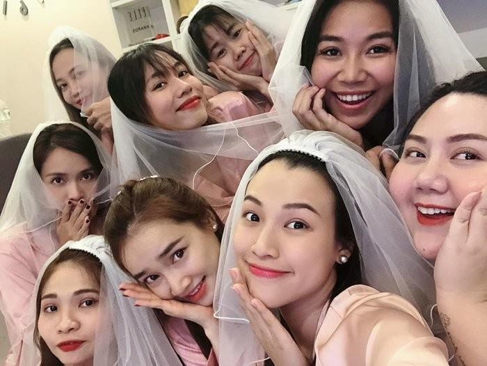 MC Hoang Oanh phat tuong khi mang thai voi chong Tay-Hinh-6