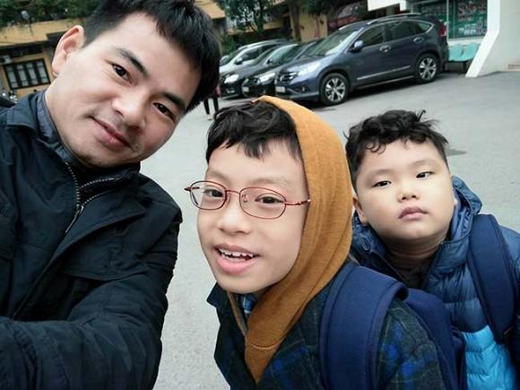 Xuan Bac: 'Nha minh cam cu duoc 6 thang la phai cat nua chi tieu'-Hinh-2