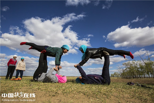 Ky la ngoi lang yoga o Trung Quoc, noi nguoi dan cuc tho-Hinh-7