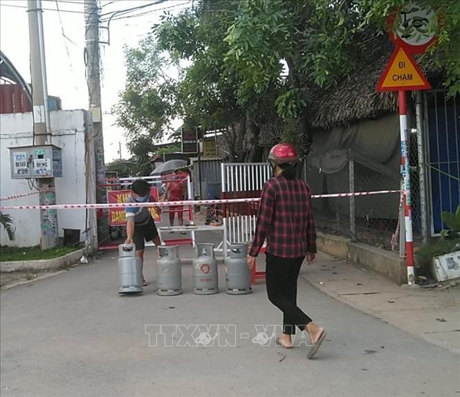 Phong toa mot phuong voi 50.000 dan o thi xa Tan Uyen, tinh Binh Duong