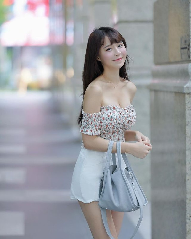 Hot girl mat hoc sinh than hinh phu huynh dien do ngu cung gay