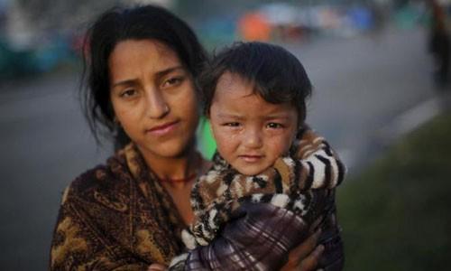Dong dat Nepal: Thieu bac si, phong vien cung phai...phau thuat-Hinh-2