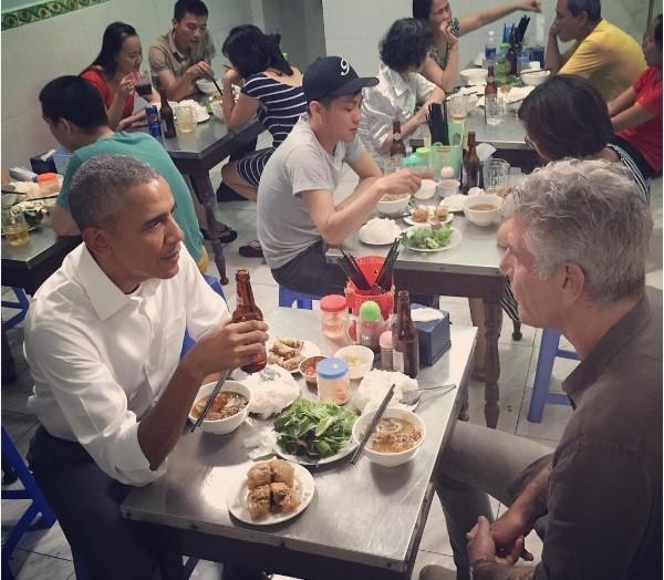Tai sao Tong thong My Obama chon an bun cha Viet Nam?