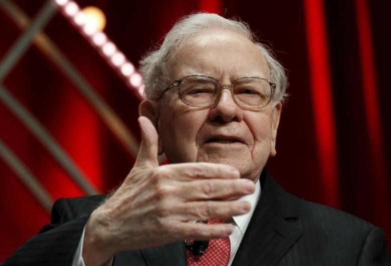 """Ty phu Warren Buffett: """"Hay tham lam khi ke khac so hai""""-Hinh-2"""
