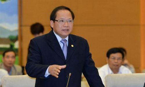 Hom nay, Bo truong Truong Minh Tuan tra loi chat van noi dung gi?