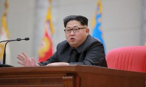 "Robert Kelly: Lenh trung phat Trieu Tien chi nhu ""nuoc do la khoai"""